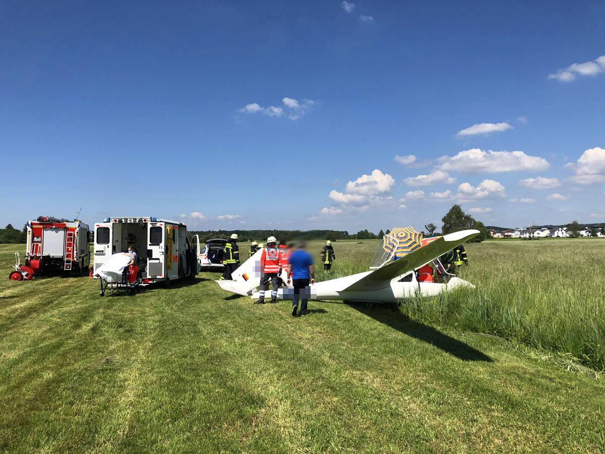 F FLUG 1 – Segelflugzeug abgestürzt